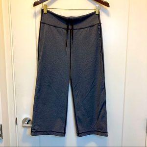 LULULEMON Capri Wide Leg Pant w/ black stitching